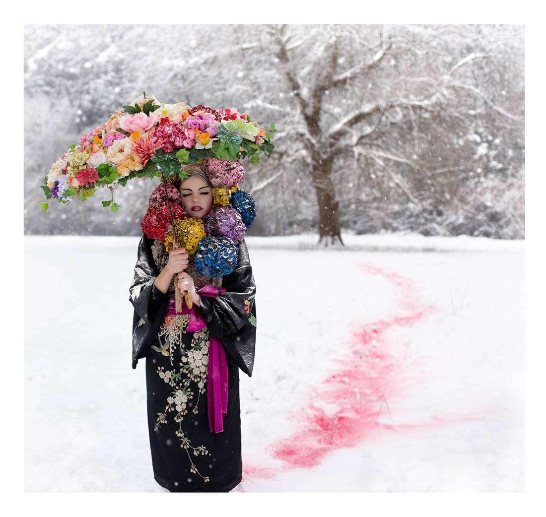 http://www.rocknrollbride.com/wp-content/uploads/2010/02/Elbie-snow-9-small.jpg