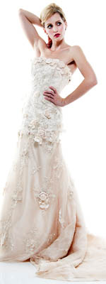 stunning-vintage-style-embroidered-floral-applique-strapless-wedding-gown-p-6646.html