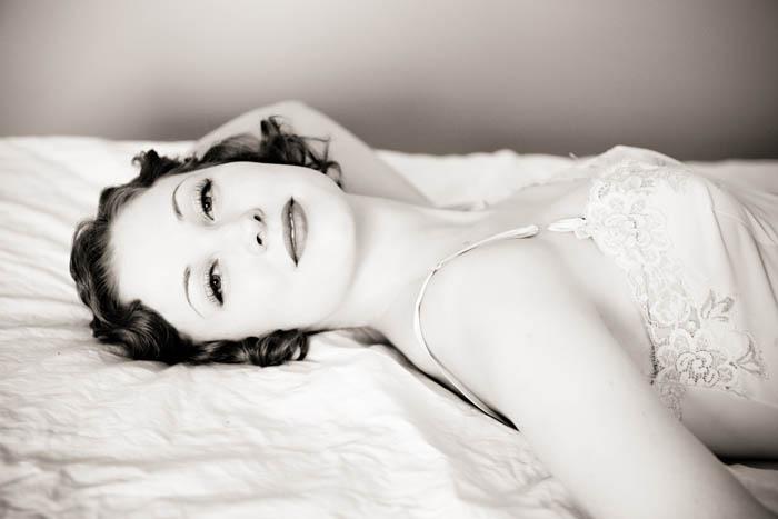 6bb153ecbea Elegant   Classy 1930s Inspired Boudoir Sesh · Rock n Roll Bride