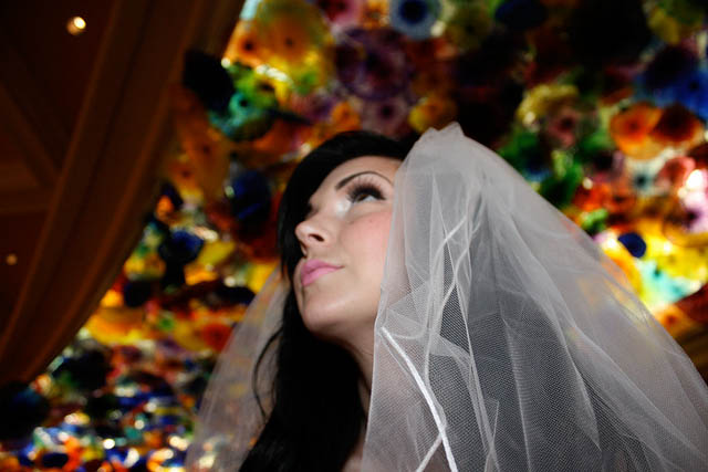A Las Vegas Alice In Wonderland 183 Rock N Roll Bride