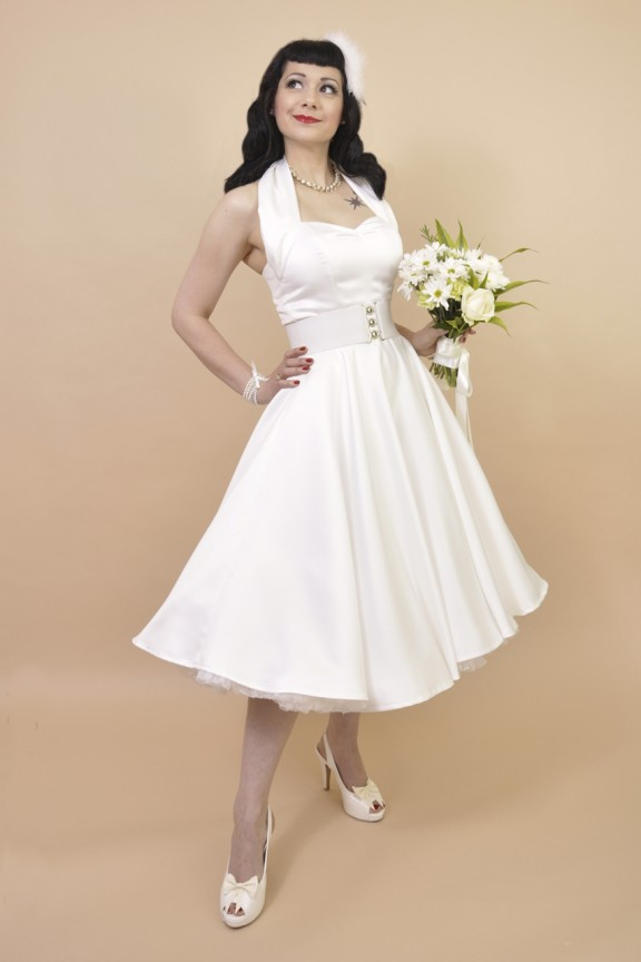 ac7019100fa9 How To…Buy your Wedding Dress Online · Rock n Roll Bride