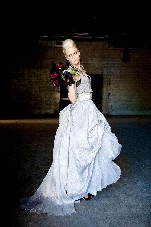 Lola s bad ass punk rock bridals rock n roll bride for Rock n roll wedding dress