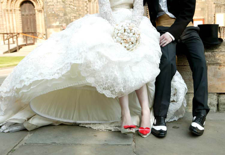 Danielle & Carl\'s Incredibly Gorgeous Red & White Vintage Wedding ...