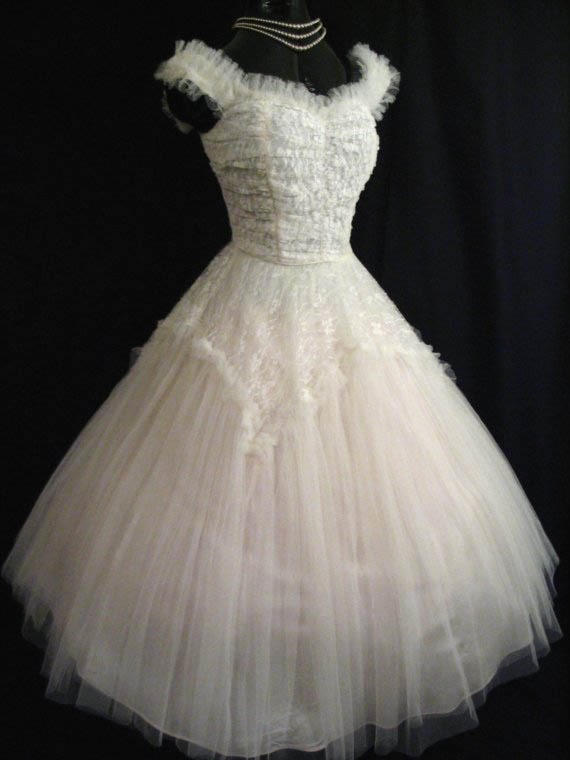 Help Me Find The Perfect Rockabilly Dress For My Vegas Wedding ...