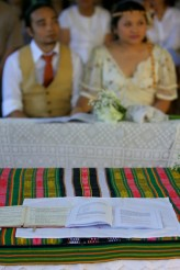 A native quilt was used as table cloth signified the union of cultures