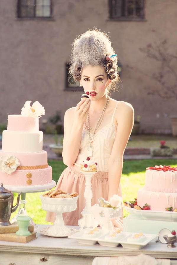 let them eat cake a marie antoinette inspiration shoot rock n roll bride. Black Bedroom Furniture Sets. Home Design Ideas