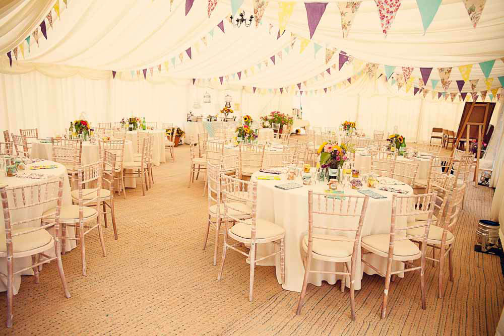 A Quintessentially English Country Garden Wedding: Liz & Blake ...