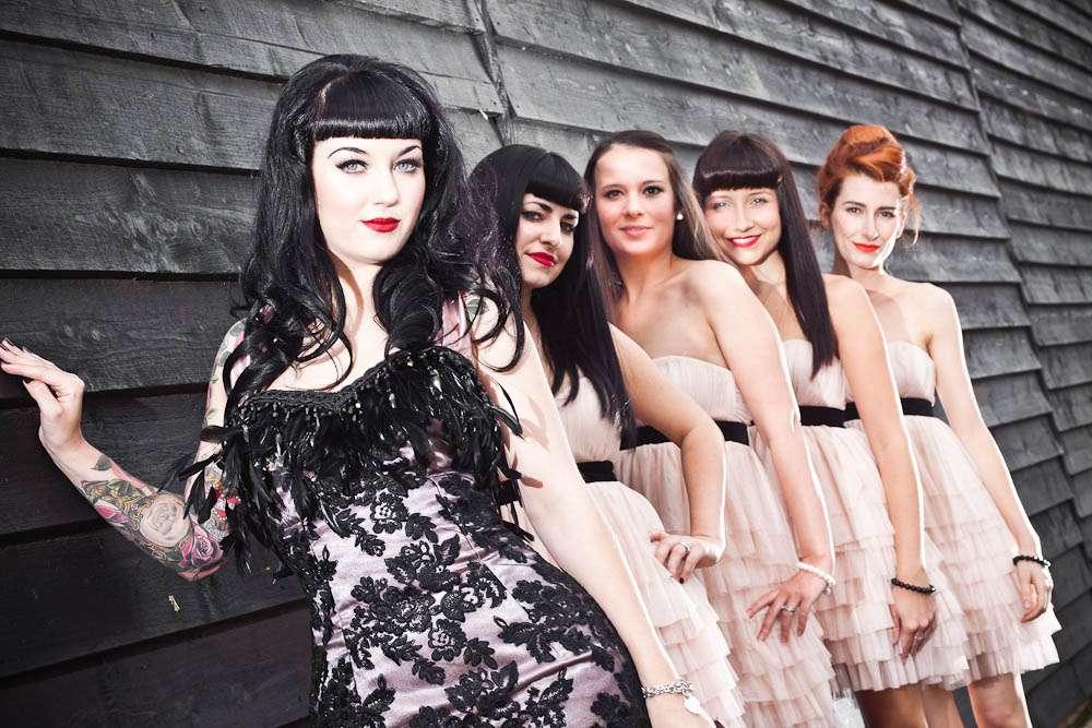 Rock n roll wedding hair for Rock n roll wedding dress