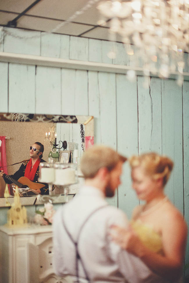 A Ceremony With Elvis At The Rhinestone Wedding Chapel Colin Amp Sage Rock N Roll Bride