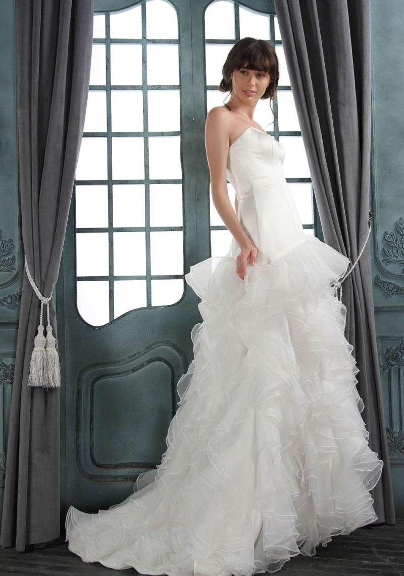 Wedding dress rock n roll bride for Rock n roll wedding dress