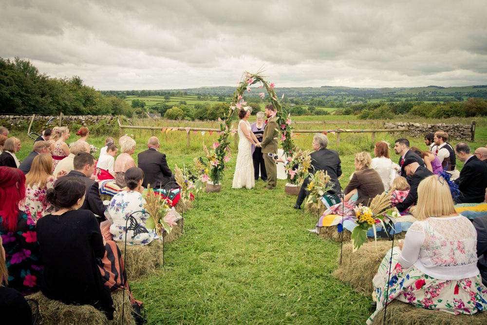 A Country Vintage Festival Inspired Wedding Nichola Amp Jay Rock N Roll Bride