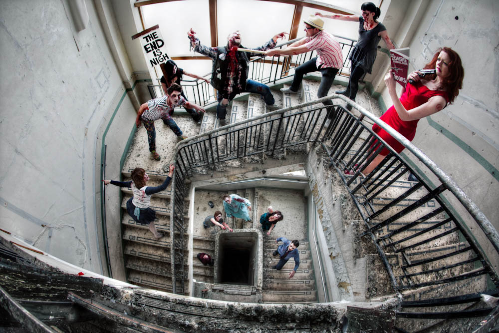 A zombie apocalypse engagement shoot nicola simon for Zombie build