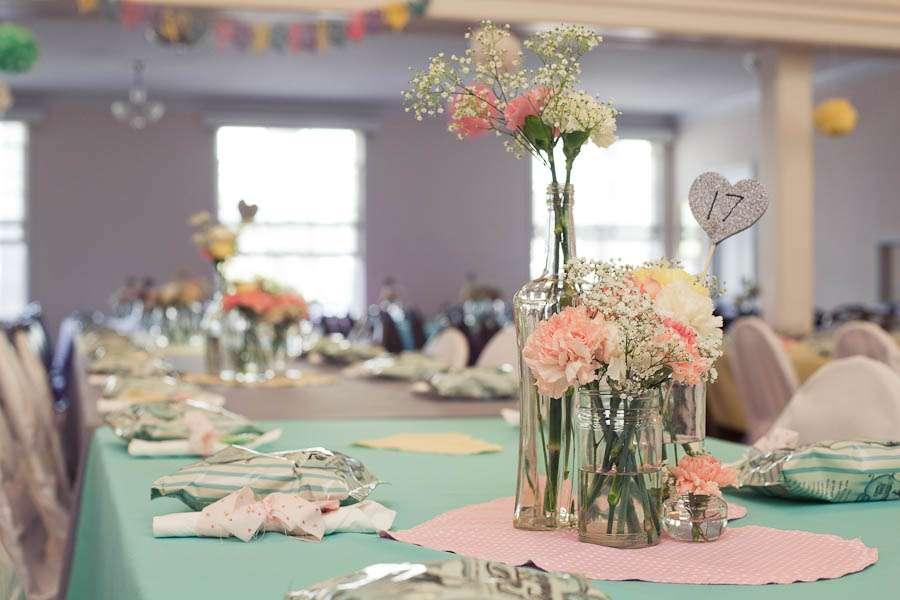 a pretty pastel cinema wedding lynn nick rock n roll bride. Black Bedroom Furniture Sets. Home Design Ideas