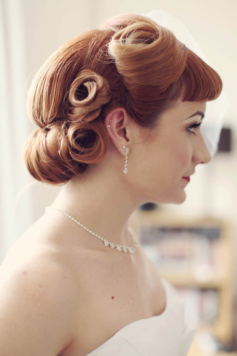 1950s updo on pinterest updo hairstyle hairstyles and rockabilly updo. Black Bedroom Furniture Sets. Home Design Ideas