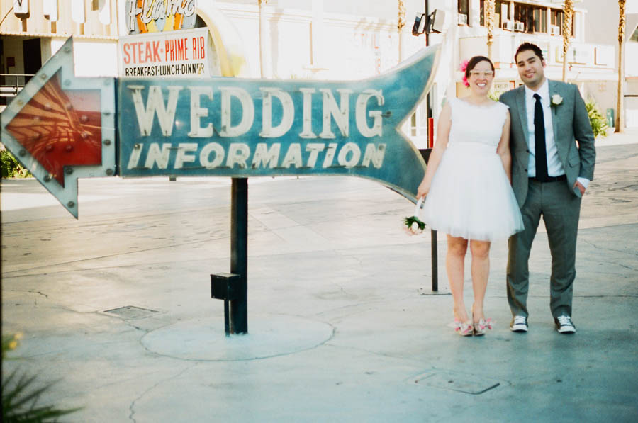 A simple retro las vegas wedding nicole jamie rock for Simple vegas weddings
