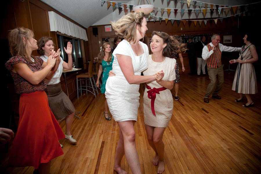 destination-retro-lesbian-wedding-alexa-clarke-kent ...
