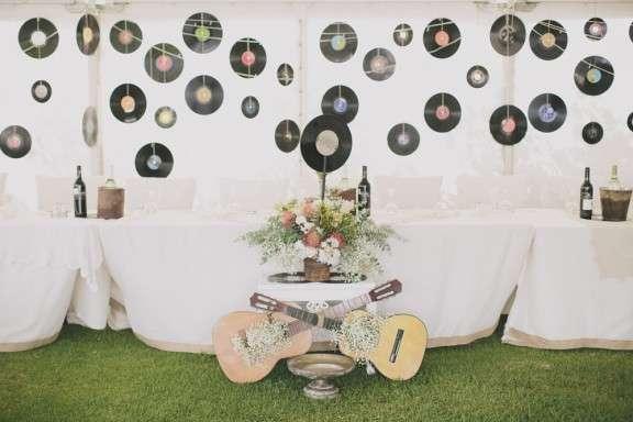 Music Themed Backyard Wedding Bernadette Amp Peter 183 Rock N
