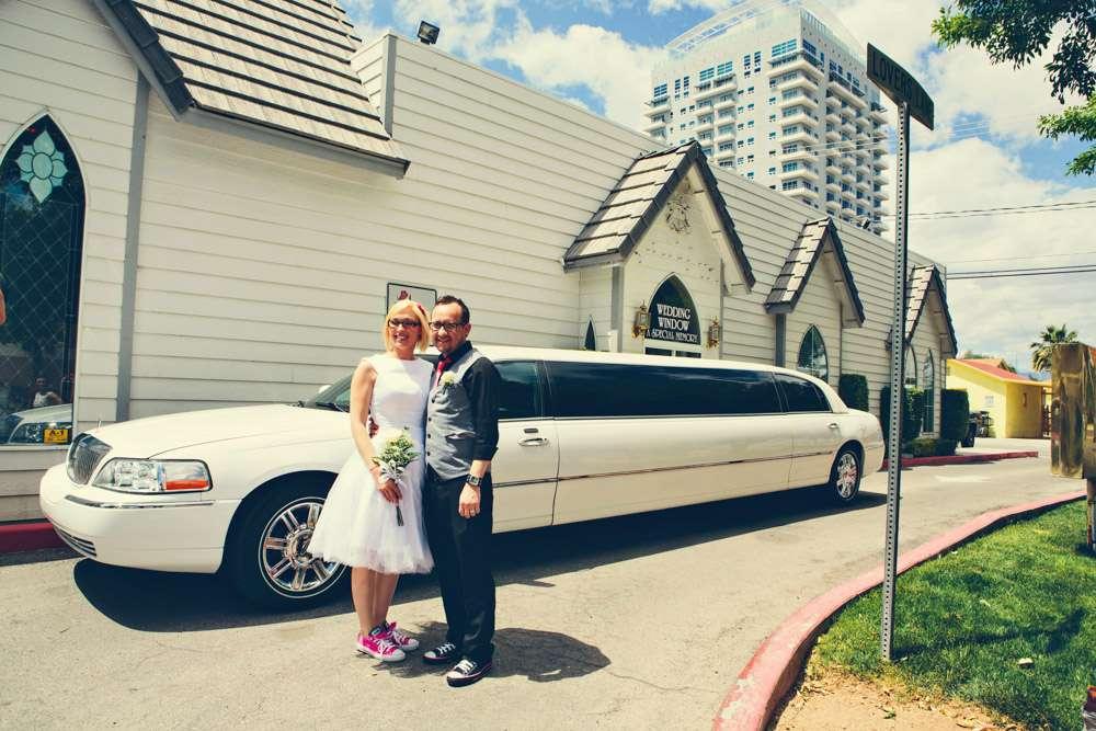 Las Vegas Drive Thru Wedding Mike Amp Manda Rock N Roll Bride
