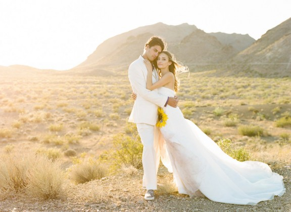 alternative vegas desert wedding gaby j photography 75