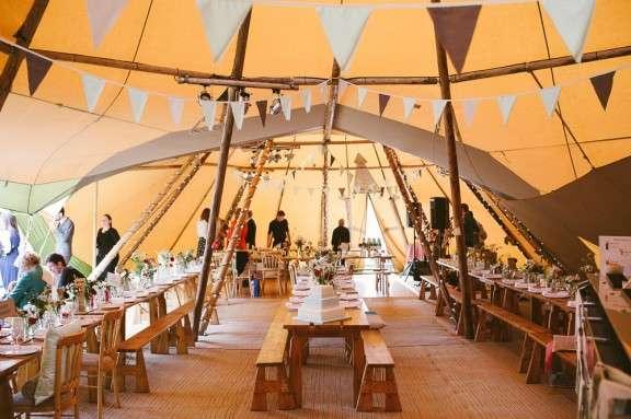 Diy Brighton Bandstand And Tipi Wedding Lynda Amp Soph