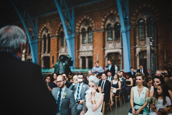 artistic-unique-london-wedding-photography-evelynne-evan-st-chads-place-1134