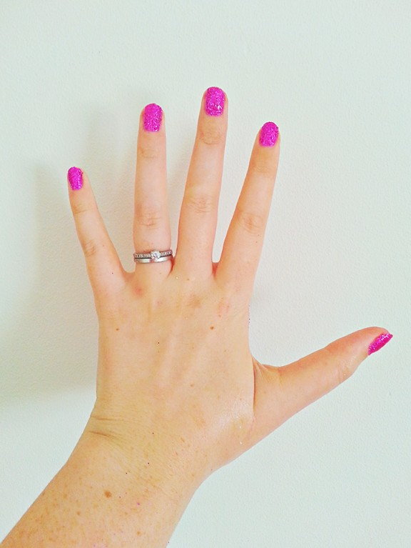 Diy tutorial glitter gel manicure rock n roll bride gel nail diy 6 solutioingenieria Images