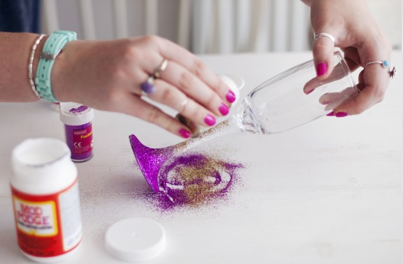 ombre glitter glass diy6