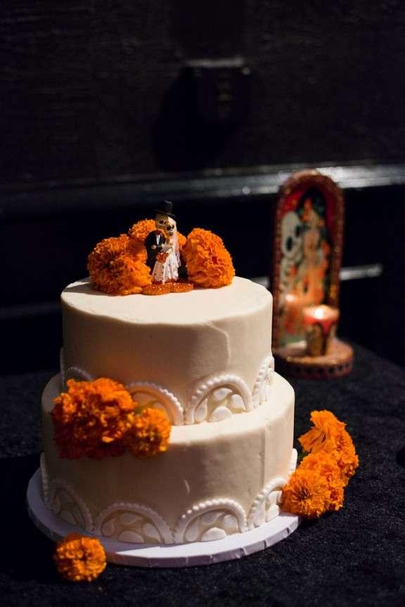 Goth Club Dia de Los Muertos Wedding: Lauren & Ralf · Rock n Roll Bride