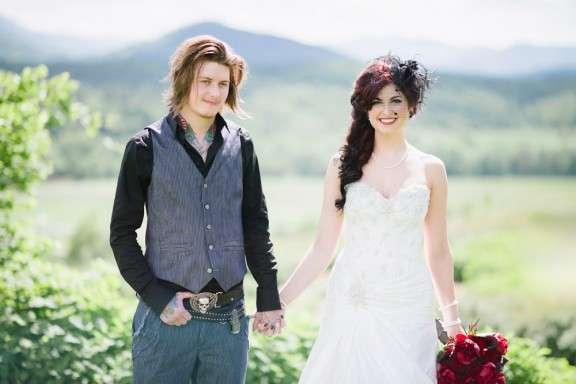 Hillbilly Wedding Dress 47 Vintage Skulls un floppy hair