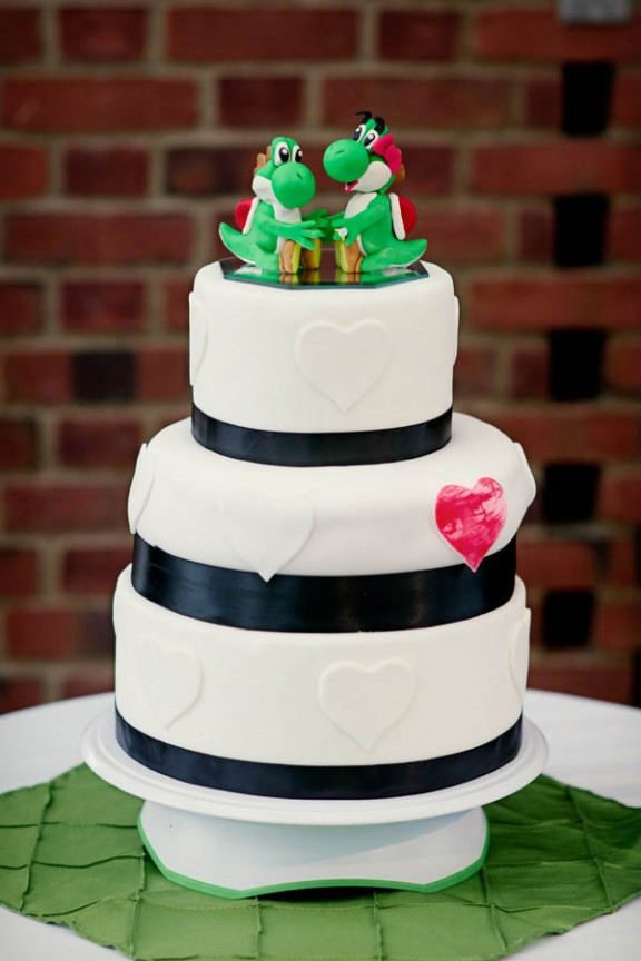 geeky-yoshi-wedding-bride-with-green-hair40