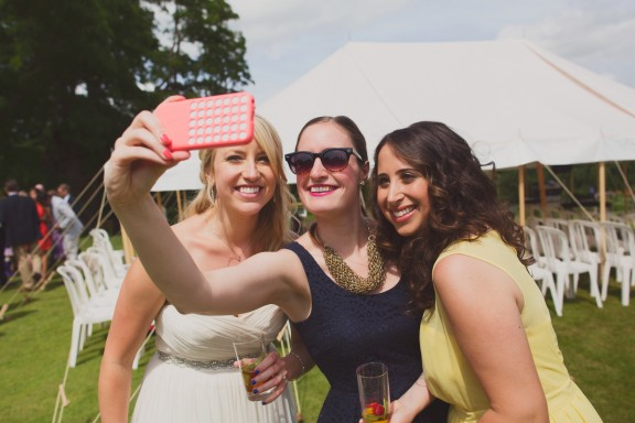 hannah millard_phones at weddings2
