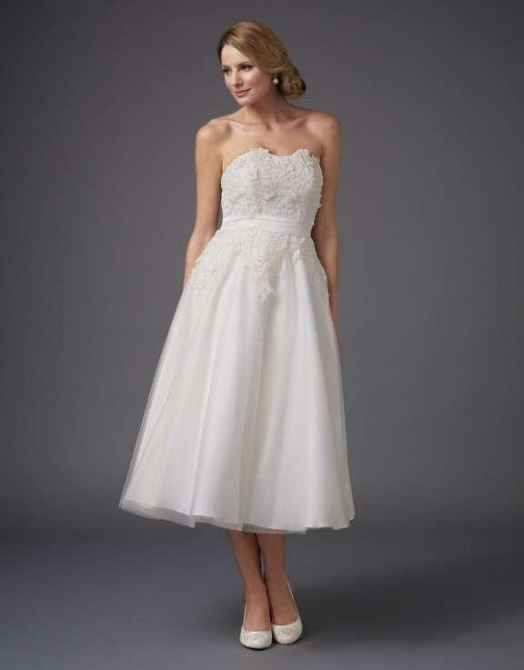 unique wedding dresses wont believe under