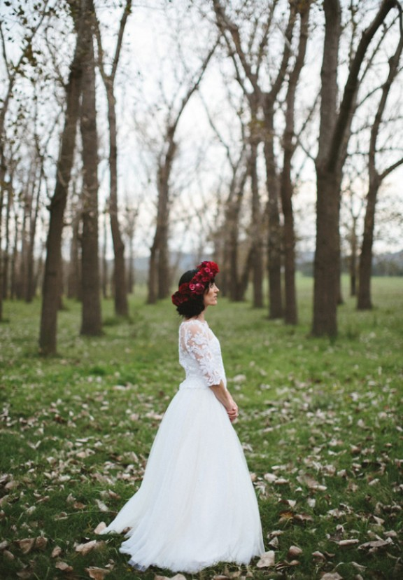 james-frost-red-roses-Mindaribba-House-wedding-tocal-bride5