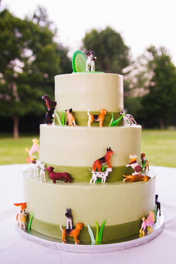 Cuteness Overload! A Puppies and Pirates Themed Backyard Wedding ...