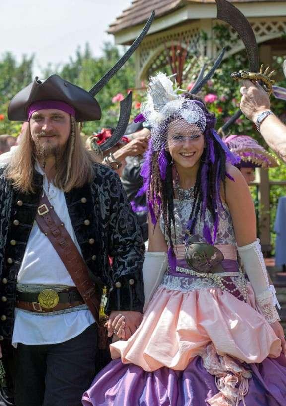 Pirate Themed Wedding: Jade & Dave · Rock n Roll Bride