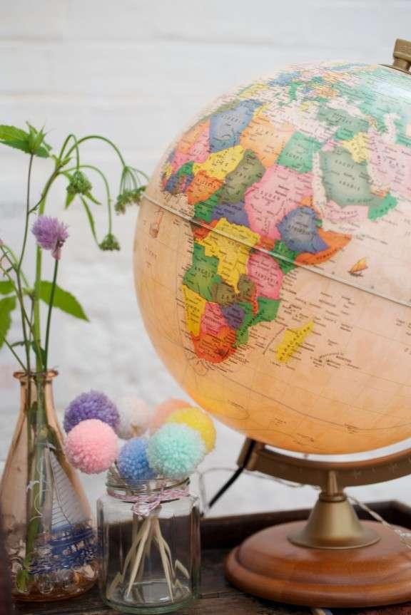 Travel-vintage-map-inspired-wedding_SharonCooper_095