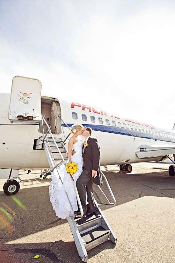 modern-yellow-grey-airplane-wedding-ENV-Photography-Edmonton-0071
