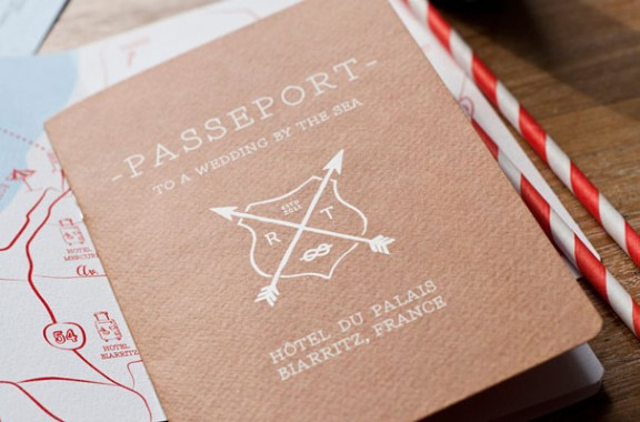 passport-travel-theme-destination-wedding-invitation-stationery