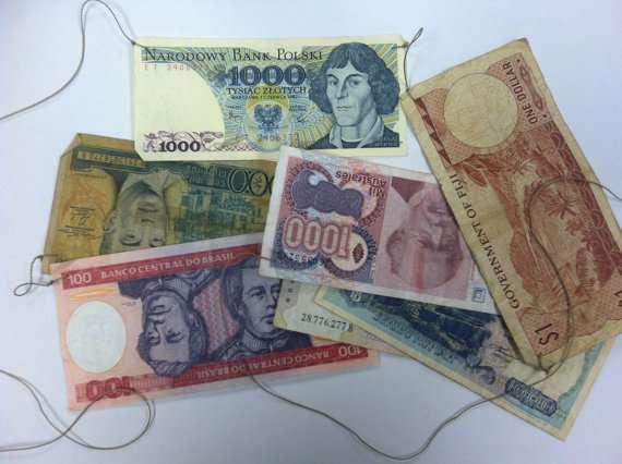 world money banner