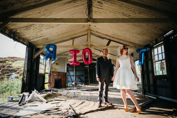 60s inspired abandoned hill fort punk wedding babb photo-76