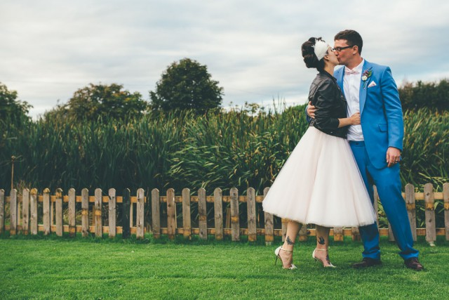 relaxed 1950s retro wedding (34)