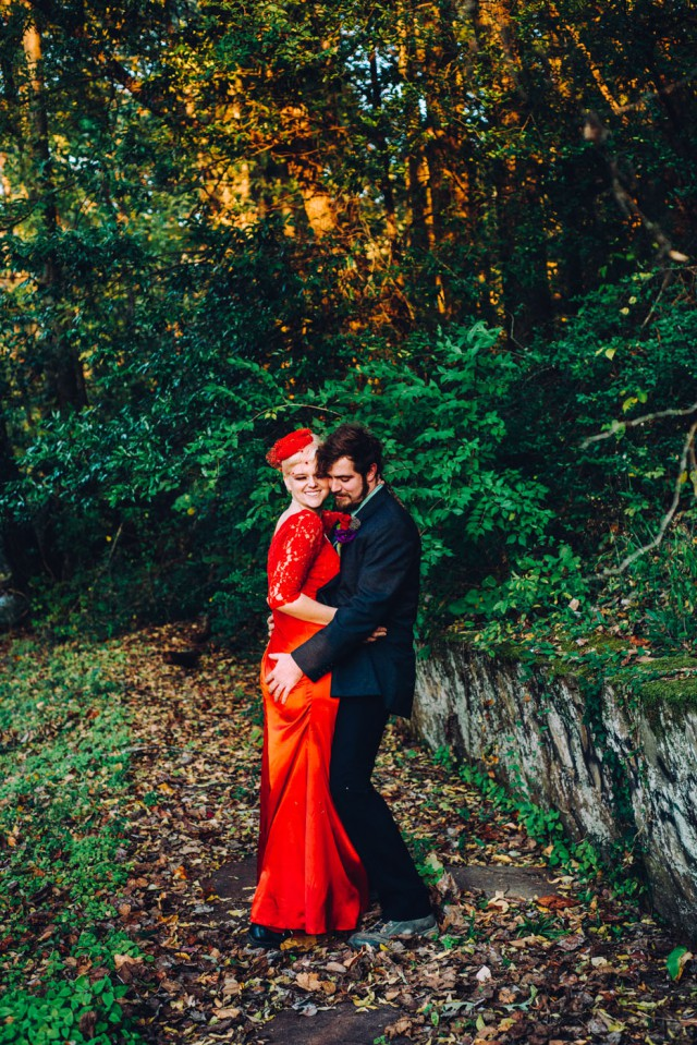 Alabama woodland wedding on Halloween (32)