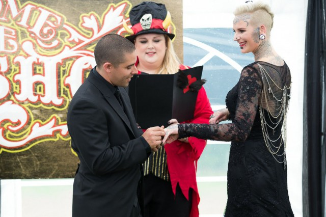 freakshow circus wedding (36)