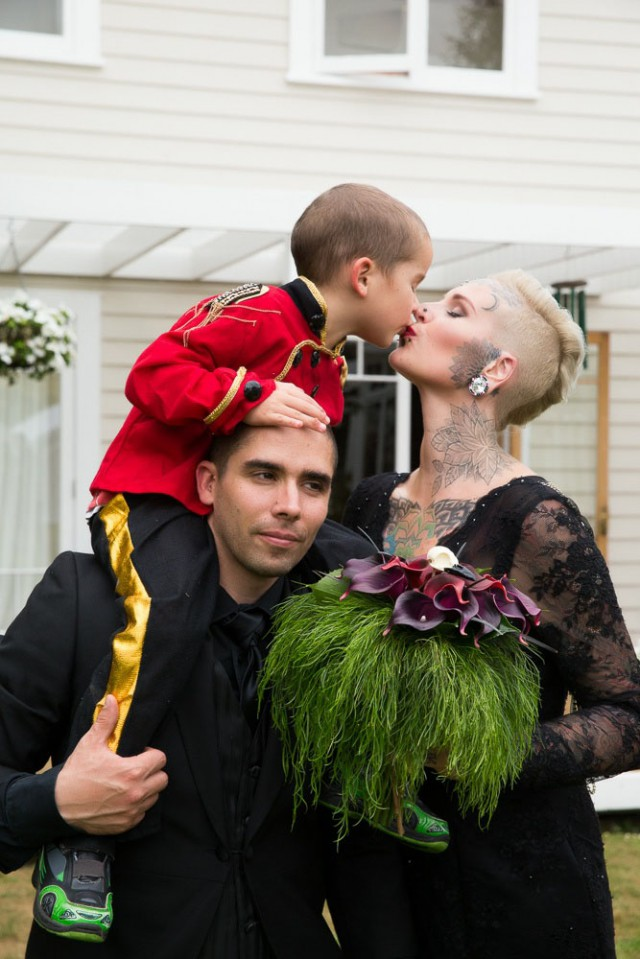 freakshow circus wedding (46)
