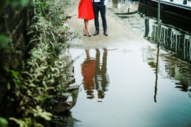 london elopement red wedding dress (21)