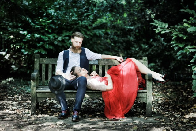 london elopement red wedding dress (29)