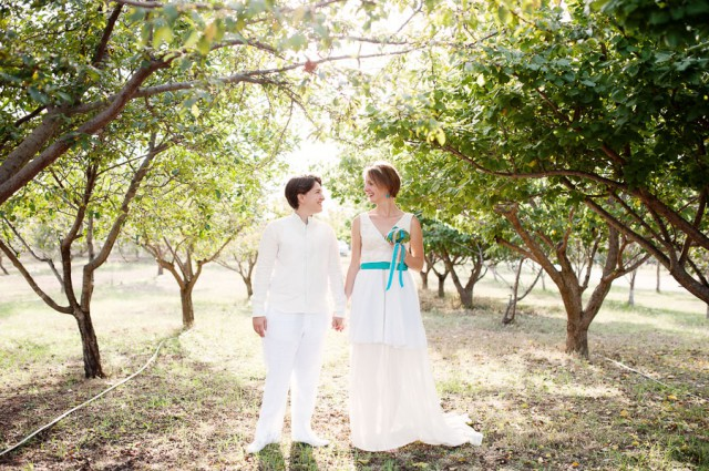 relaxed summer picnic wedding in spain (1)