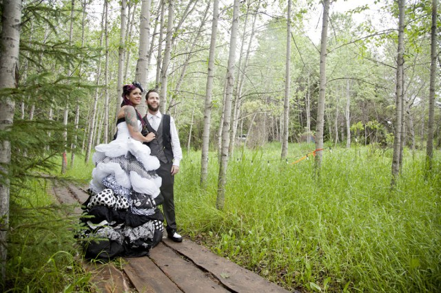 outdoor black and white wedding14