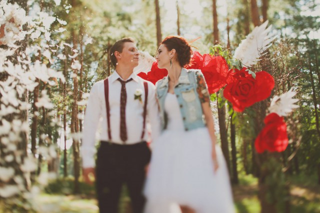 whimsical feather wedding in the russian woods (62)