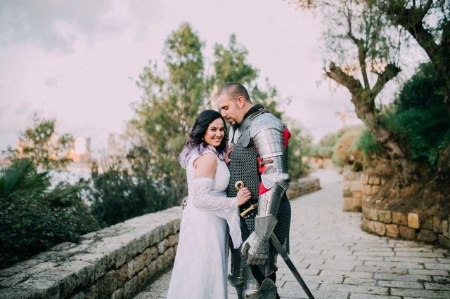 Live Action Role Play Wedding with the Groom in a Suit of Armour (7)